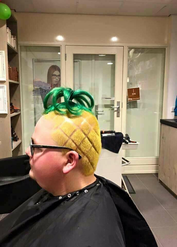 When you Major in #GenderStudies but you also wanna Live in a #PineappleUndertheSea.